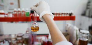 im Labor Chrysasmed wird in der Entwicklung neuer Produkte geforscht